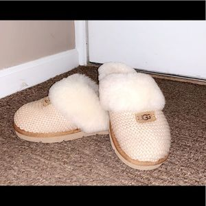 Size 7 sand color uggs